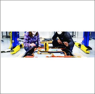 Ford investe em centro de pesquisa para baterias de carros elétricos